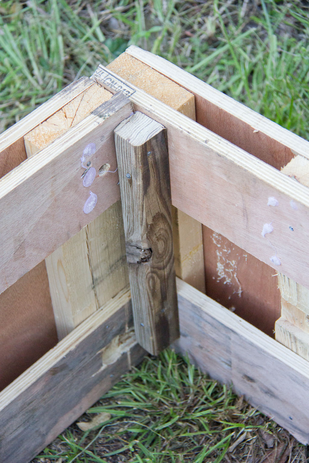 Possum proof raised pallet garden bed with easy access for How to make garden beds from pallets