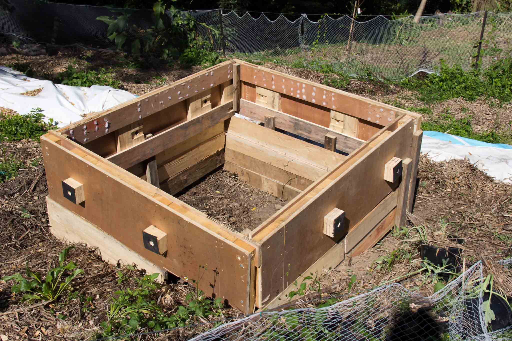 Raised bed pallets images for How to make garden beds from pallets